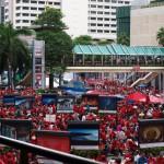 Bangkok: Gedenken mit Bastmatte und Barbecue