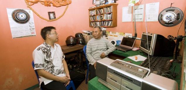Lokalradios in Indonesien - Für die Gemeinschaft on air